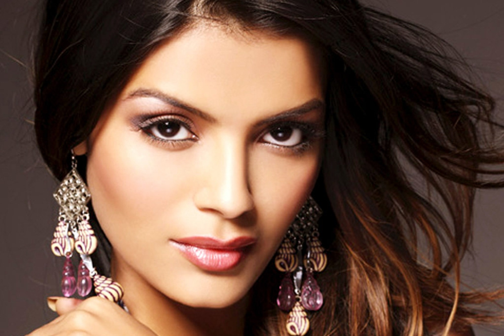 sonali raut file comlaint with cyber crime cell to nab imposter