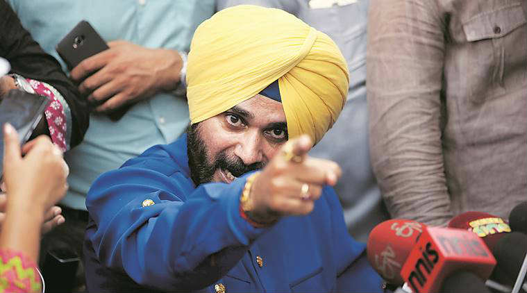 Why Navjot Singh Sidhu's ghar wapsi may bring Congress in a fix?
